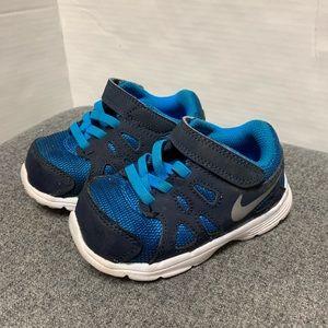 EUC Nike Blue White Revolution Sneaker 6 C